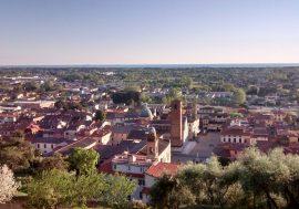 Pietrasanta: arte e gusto nella Versilia storica
