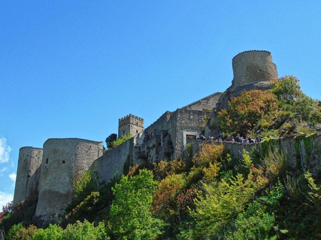 roccascalegna-castello-abruzzo