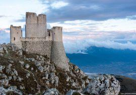 Rocca Calascio, un set cinematografico nella natura abruzzese