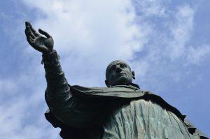 Sancarlone-statua-san-carlo