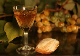 Vernaccia Wine and the Mostacciolo Dessert: a Sardinian Love Story