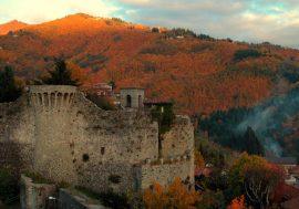 La Garfagnana. Nella valle del bello e del buono