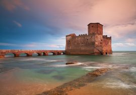 Nettuno: history, sea and relaxation near Rome