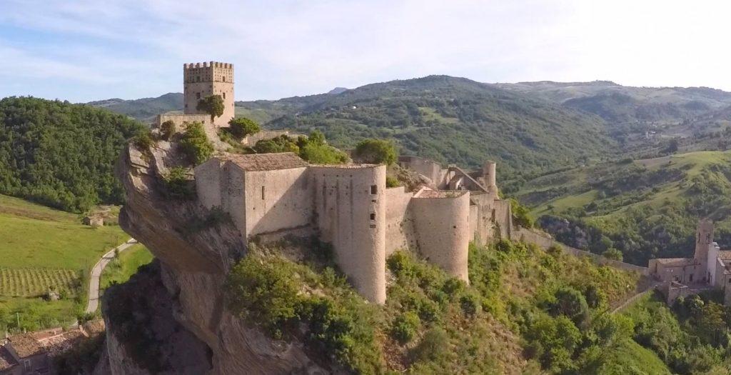 roccascalegna-castle