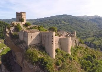 The Castle of Roccascalegna in Abruzzo and Its Sinister Past
