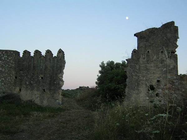 Valli-cupe-castello-escursioni