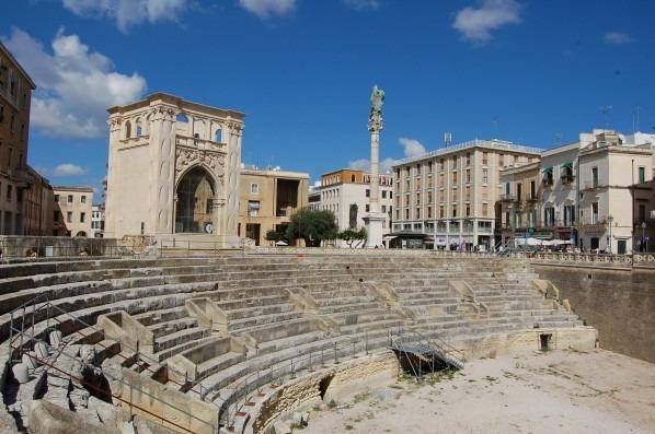 Piazza-oronzo-lecce-centro-storico
