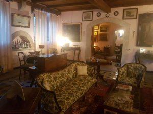 Case siciliane antiche le ville di messina tra arte e storia for Interni ville antiche