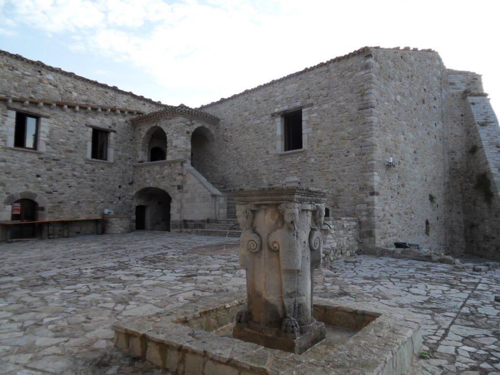 Castello-di-civitacampomarano-campobasso