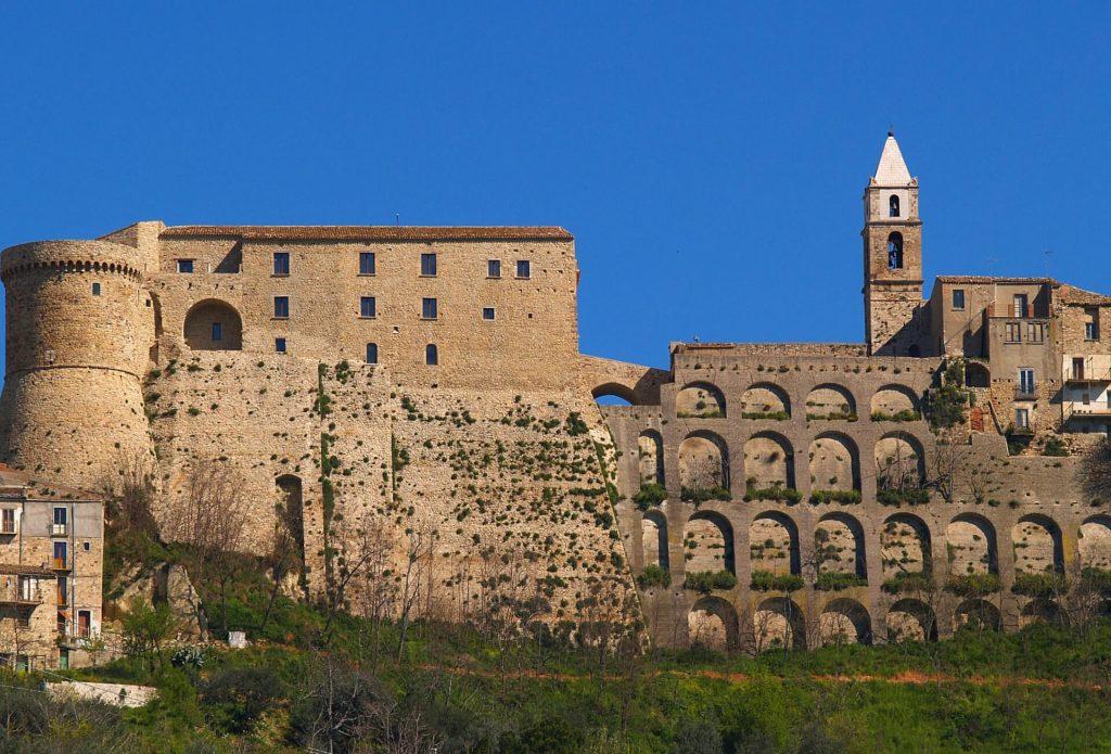 Civitacampomarano-castello-cambopasso