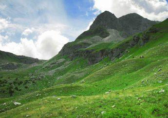 Hiking in the Abruzzo, Lazio, Molise National Park