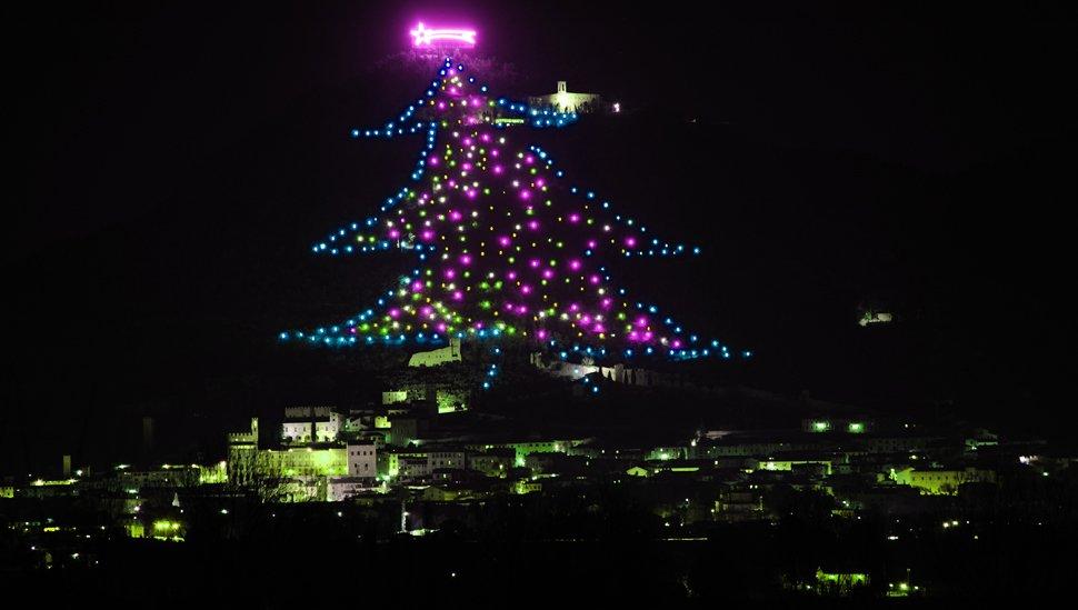 albero-natale-di-gubbio-