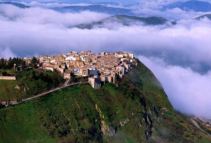 Polizzi-generosa-panorama-madonie-mountains