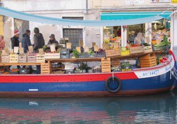 Cosa vedere a Venezia per Natale e non solo: il Mercato di Rialto e i suoi bacari