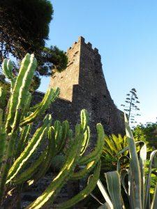 Visit-taormina-and-etna-acicastello