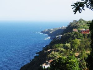 Visit-taormina-and-etna-acireale