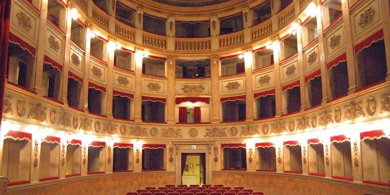 modena-teatro-comunale-luciano-pavarotti