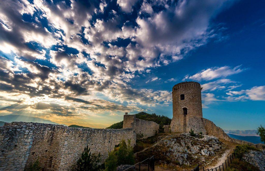 bominaco-aq-castle