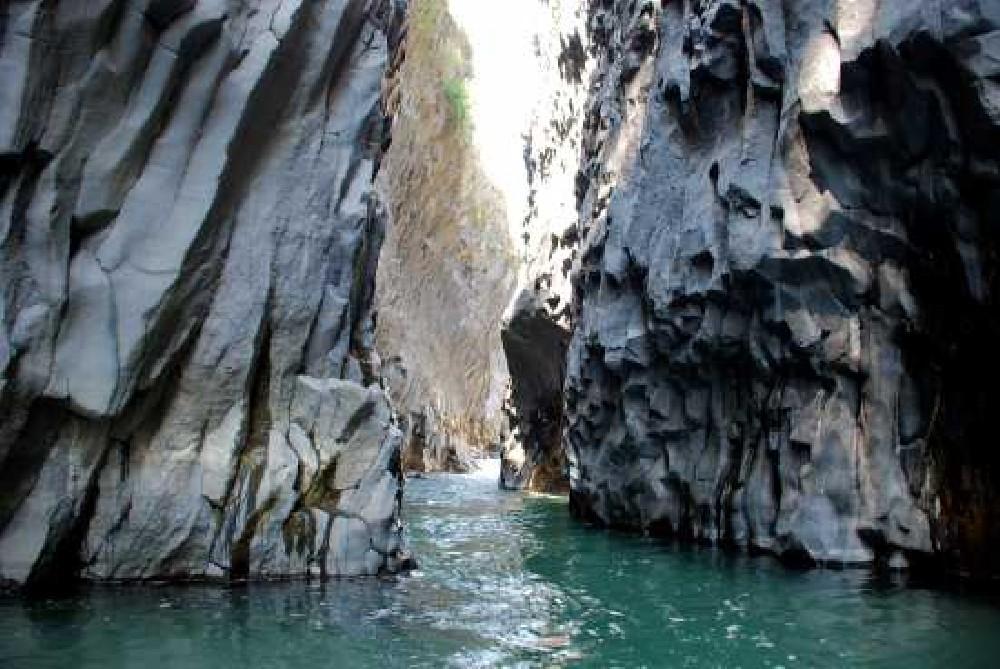 alcantara-gole-sicilia-fiume