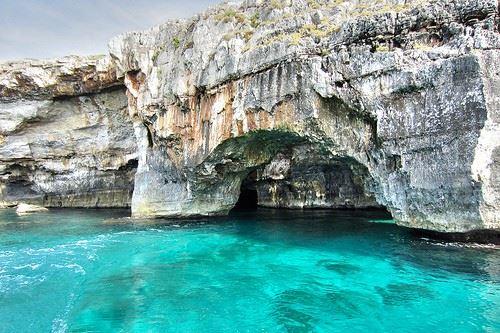 maldives-salento-italian-grotta