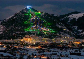 L'albero di Natale più alto del mondo e ChristmasLand a Gubbio