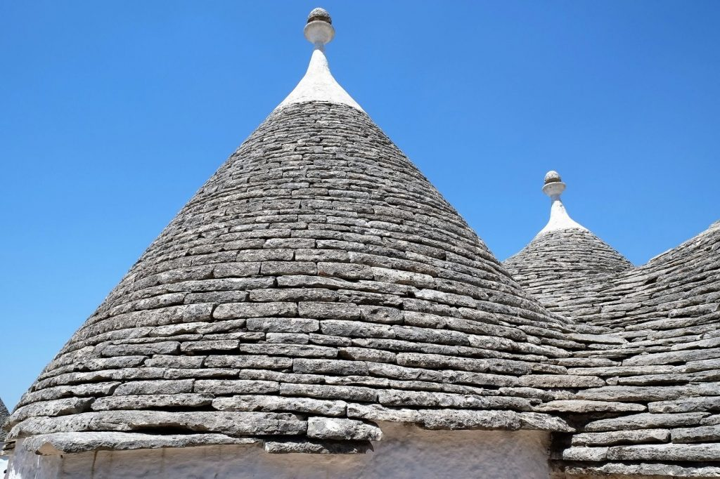 walking-tour-di-alberobello-tra-trulli