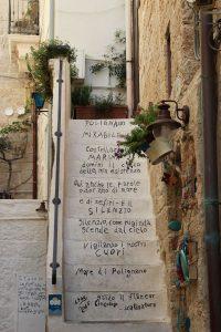 polignano-a-mare-poesie-centro-storico