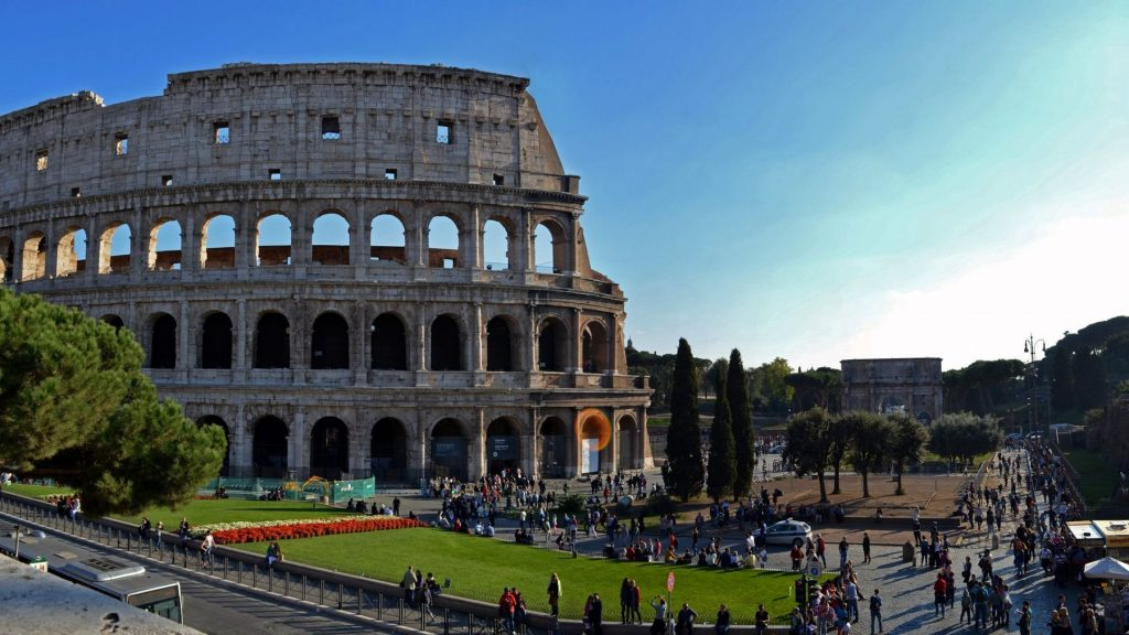 turismo-a-roma-colosseo-dooid