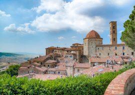 Cosa vedere a Volterra: la magnifica città etrusca nel cuore della Toscana