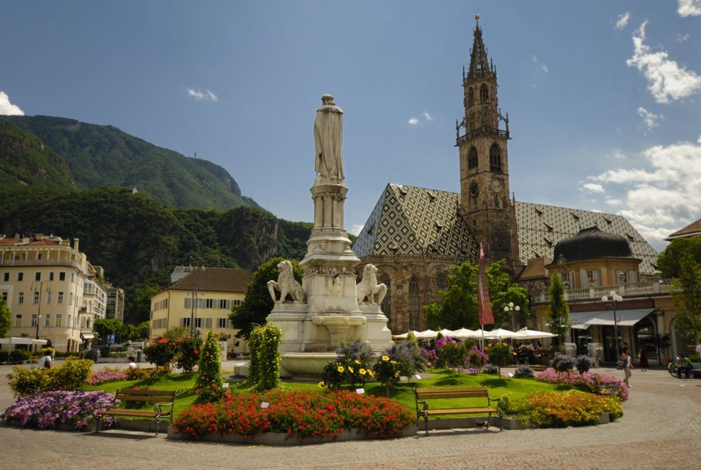 the-city-of-bolzano-in-italys-dolomites