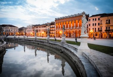 Padua in a Single Day: a Walking Guide