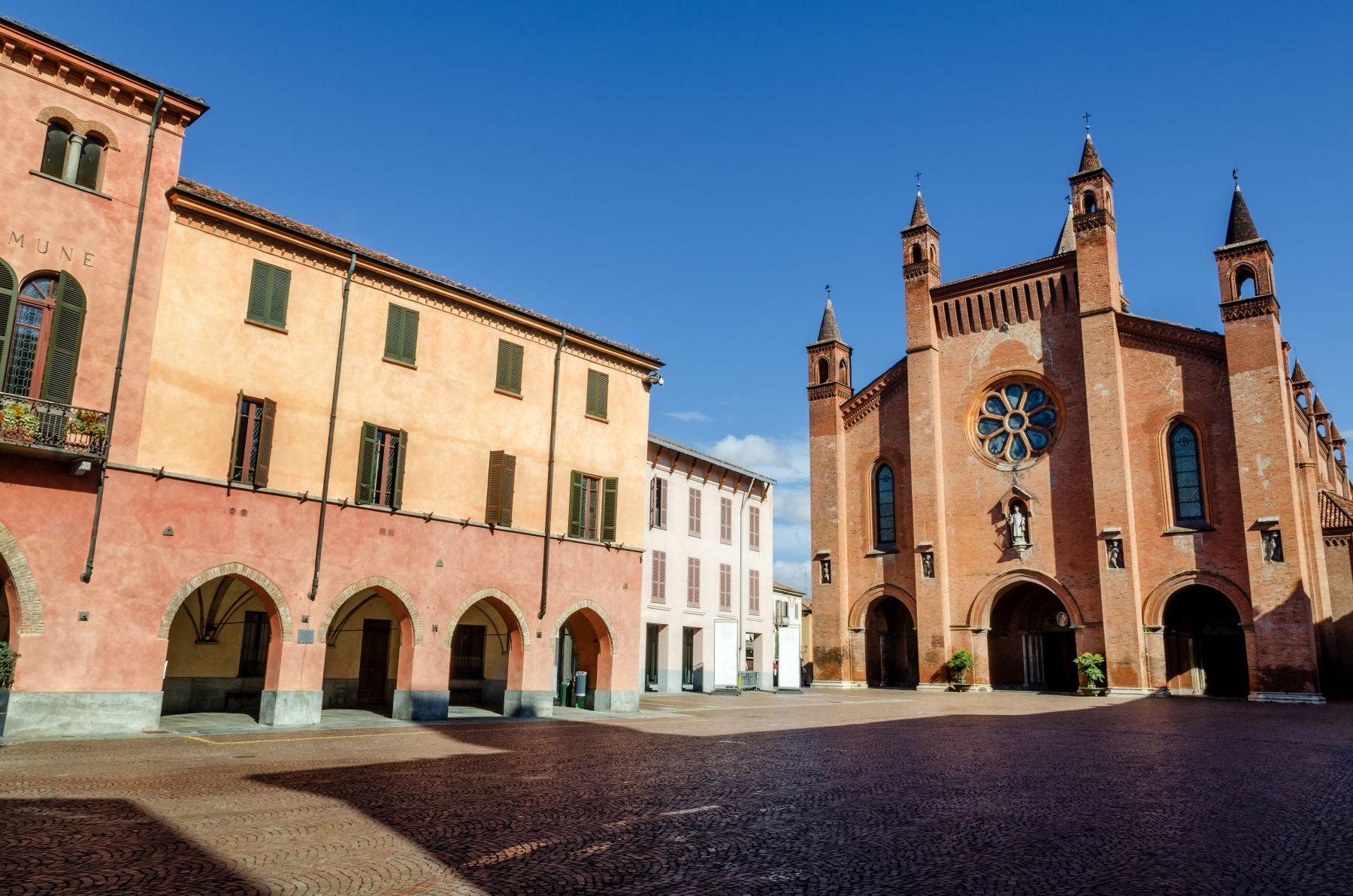 piazza-risorgimento-itinerario-alba-dooid
