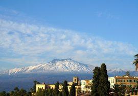 Visitare l'Etna: uno spettacolo naturale in Sicilia