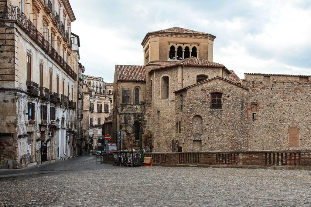 centro-storico-visitare-cosenza-dooid