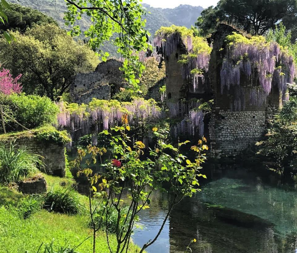 giardini-ninfa-latina-lazio