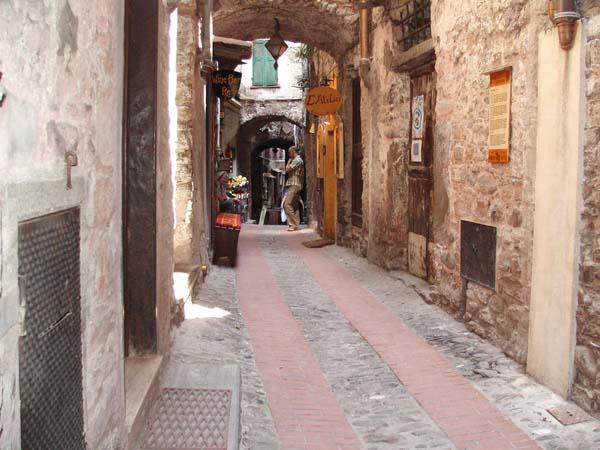 dolceacqua-liguria-borgo