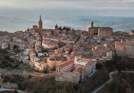 Il borgo pittoresco di Ripatransone nelle Marche