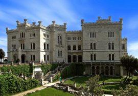 Il Castello di Miramare sul Golfo di Trieste