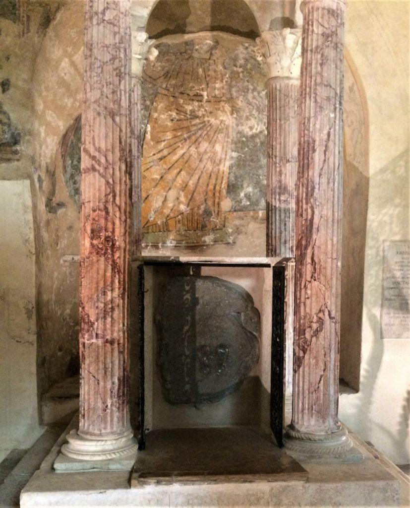 santa-cristina-collegiata-bolsena-grotto