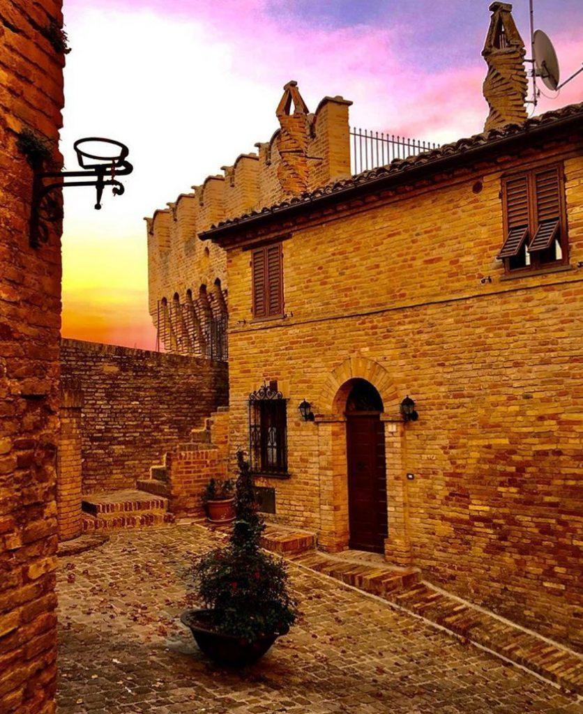castello-corinaldo-marche