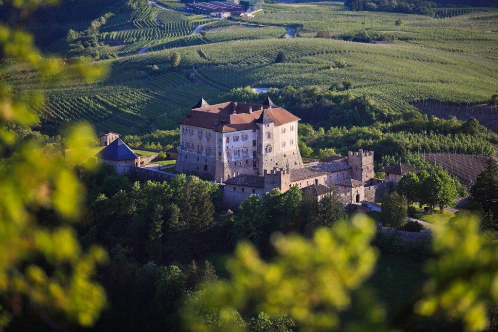 castello-thun-trento-paesaggio