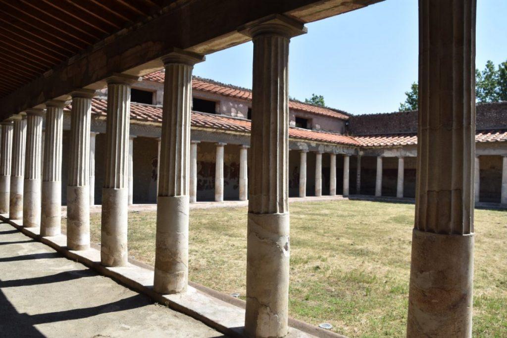 oplontis-pompei-portico