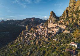 Pentedattilo: il borgo calabrese abbandonato