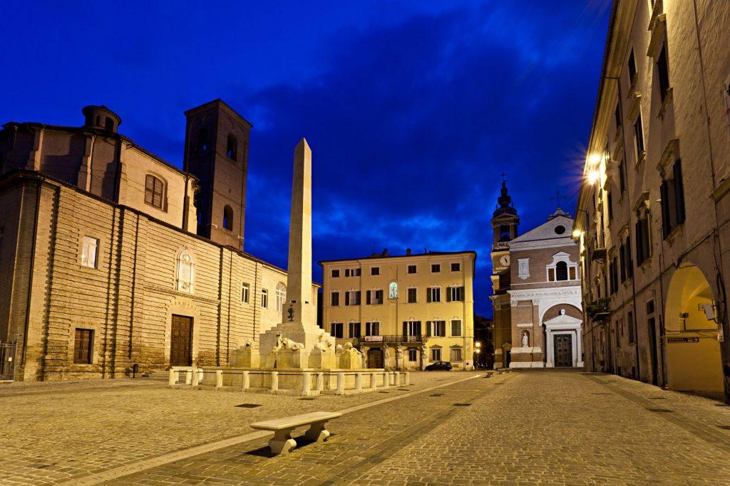 jesi-ancona-piazza