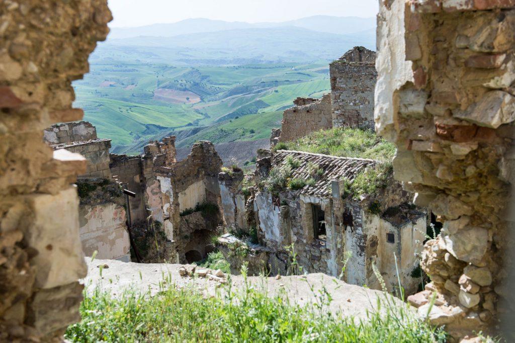 basilicata-borgo-fantasma-craco