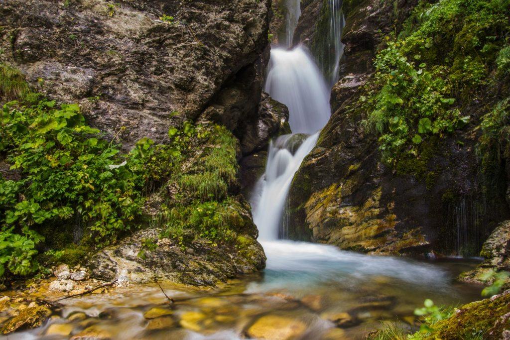 cascata-rio-arno-fiume-gran-sasso